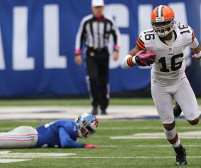 WR Cribbs Placed On IR, Jets Sign RB Reynaud