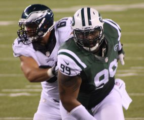 Bills Pluck TJ Barnes, Jets Sign Linebacker Julian Stanford to Practice Squad