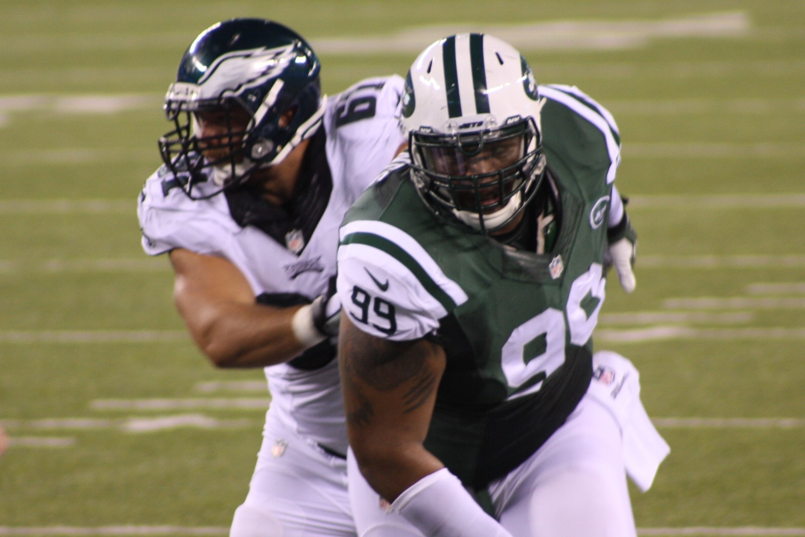 Bills Pluck TJ Barnes, Jets Sign Linebacker Julian Stanford to Practice Squad