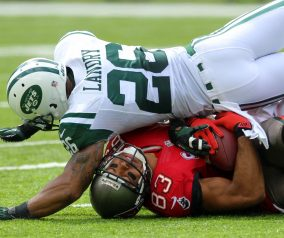Jets Win Opener Over Bucs, 18-17