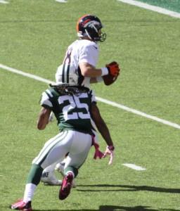 Calvin Pryor Rushes Broncos Quarterback Peyton Manning