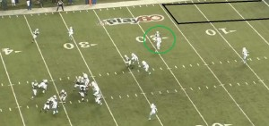 Harvin gets separation on an out toward the left sideline.