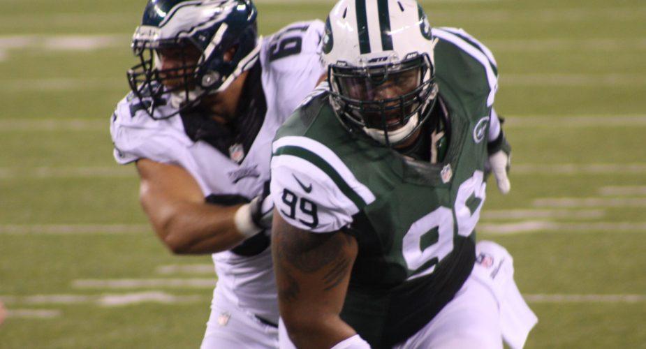 TJ Barnes Returns, Jets add Former Discus Thrower