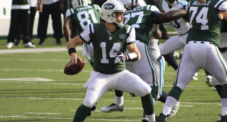 Defense, Fitz Shine as Jets Trounce Titans 30-8