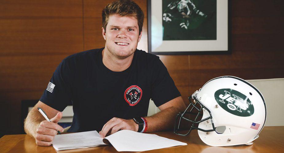Sam Darnold Signs Contract
