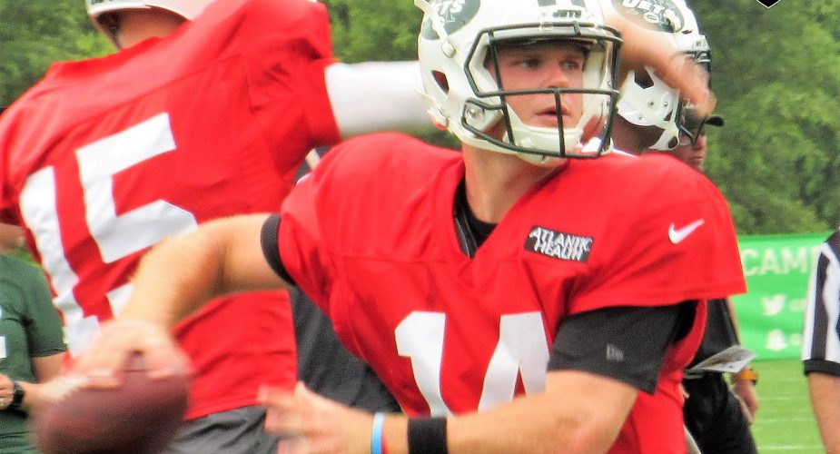 Maccagnan Stops in to Check on Prized Pupil at 1 Jets Drive; Hot & Cold day for QB's