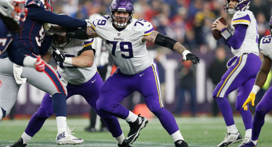 Jets Sign Offensive Lineman Tom Compton