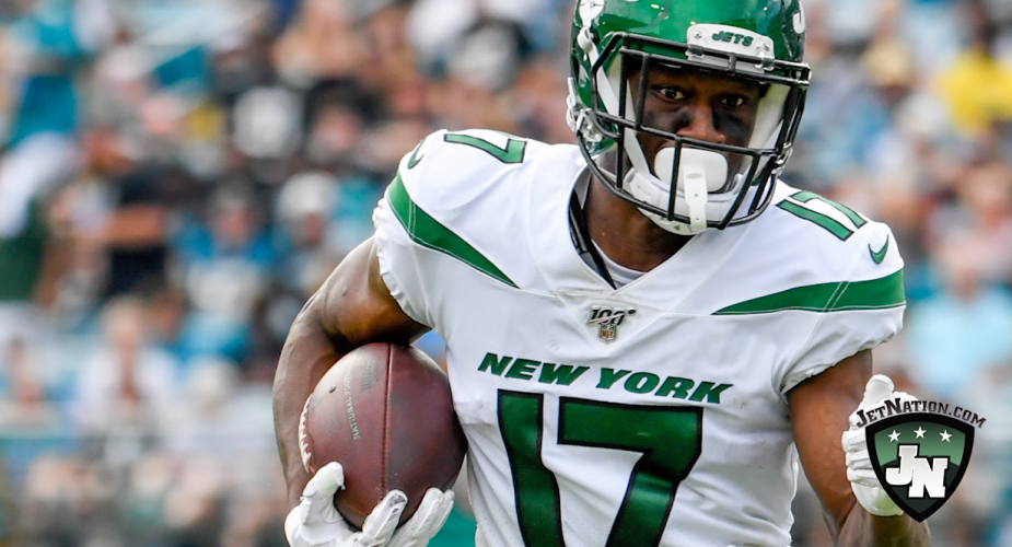Jets Re-Sign WR Vyncint Smith
