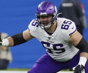 Jets Claim Elflein off Waivers from Vikings